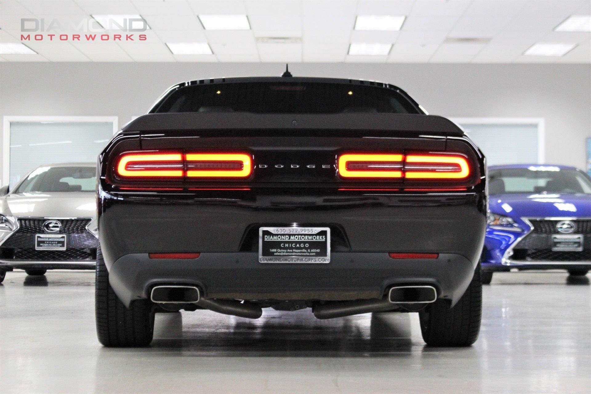 Used-2017-Dodge-Challenger-R/T-Shaker