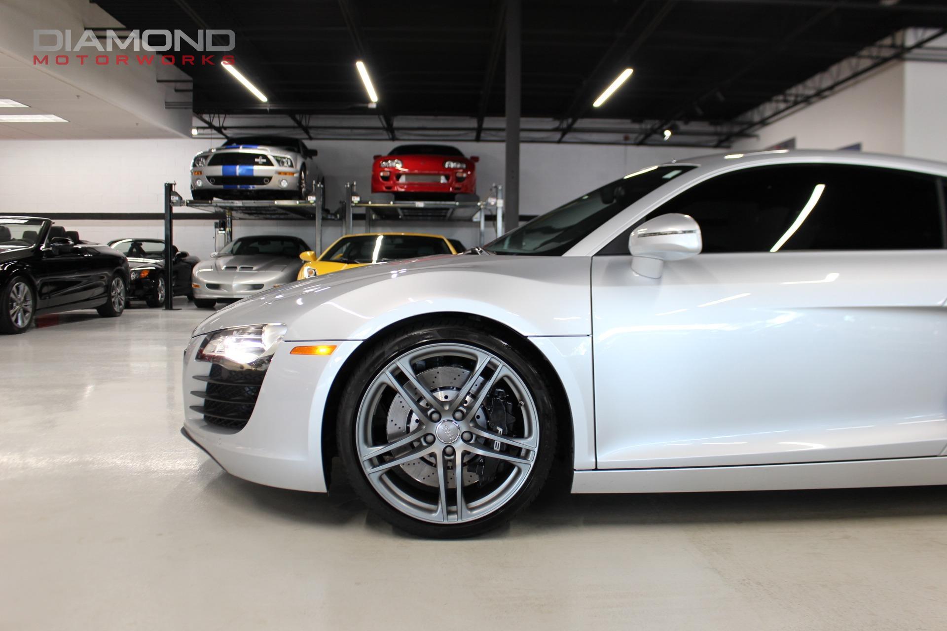 Used-2012-Audi-R8-42-quattro