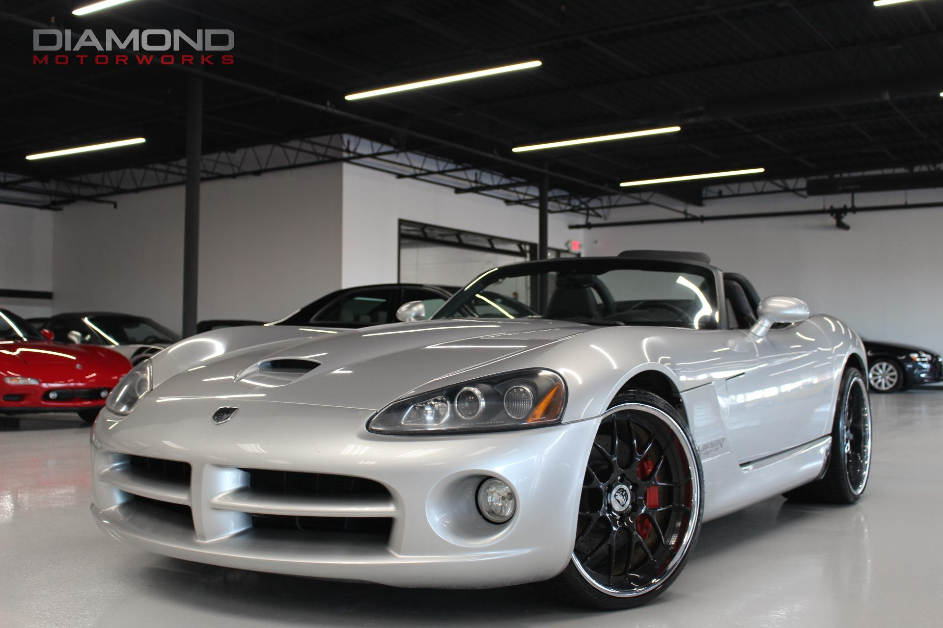 2004 dodge viper 2dr convertible srt10 stock 100914 for sale near lisle il il dodge dealer. Black Bedroom Furniture Sets. Home Design Ideas