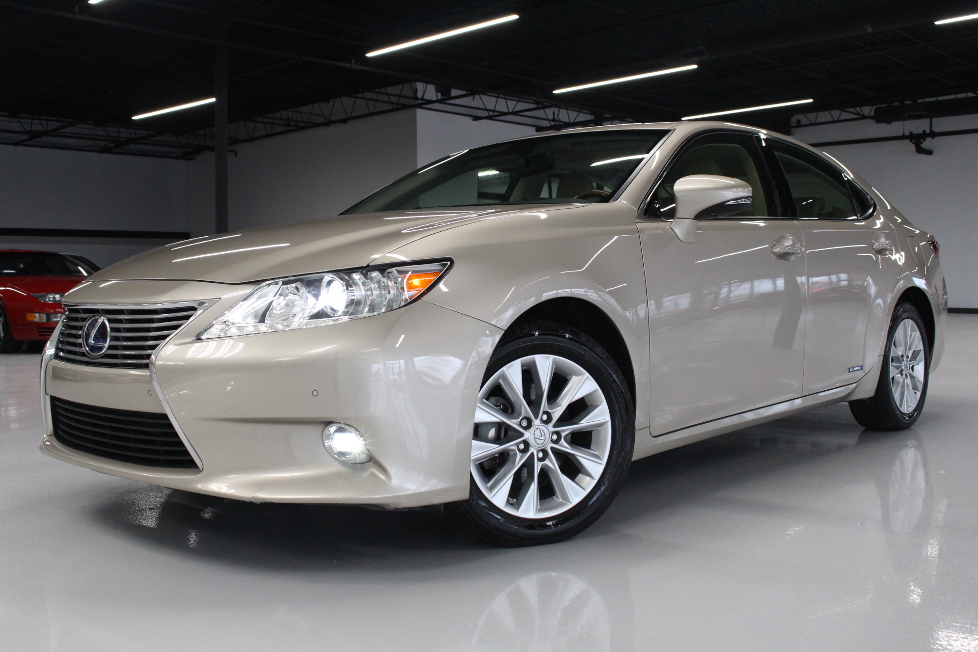 used 2015 lexus es 300h 4dr sedan hybrid lisle il. Black Bedroom Furniture Sets. Home Design Ideas